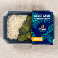 Chicken with rice and broccoli - Mana Foods