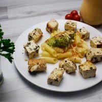 Organic tofu with pasta and avocado - ManaFoods