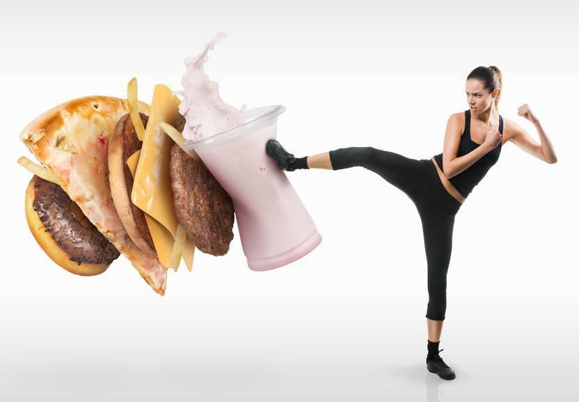 7 erros comuns que são cometidos em relação à alimentação fitness em academias de esporte e musculação.