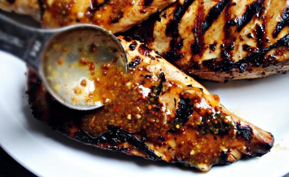 Pollo a la barbacoa con mostaza glaze