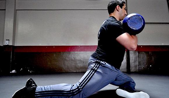 Rotando las caderas para mayor efectividad