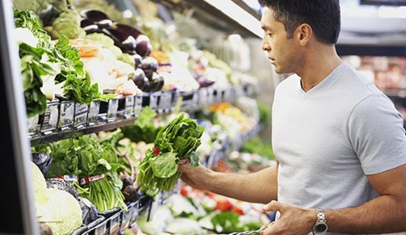 Como la dieta de un hombre también afecta la fertilidad
