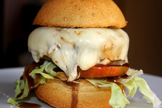 Panecillo de avena para hamburguesa