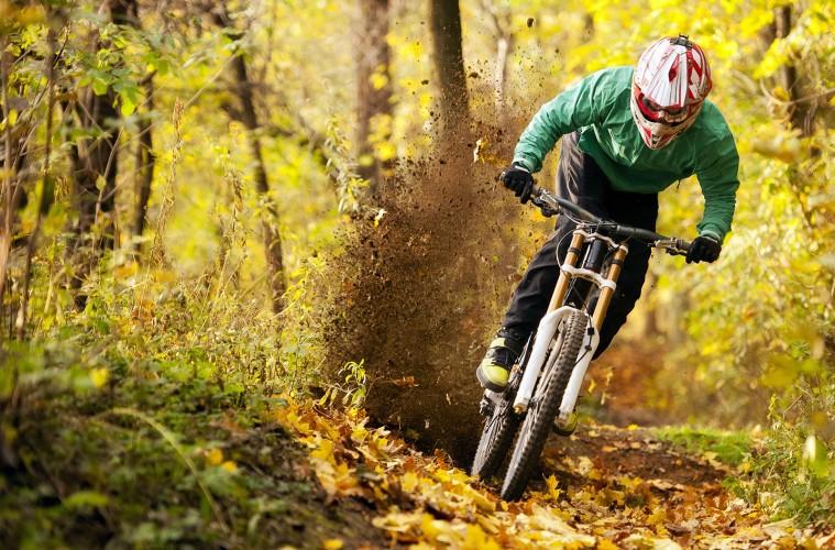 Auxiliares, ciclismo, montaña, MTB, bicicleta, asistencia, ciclista, XCM, avituallamiento
