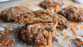 """Galletas de avena y espelta """"a lo pastel de zanahoria"""" (Carrot cake cookies)"""