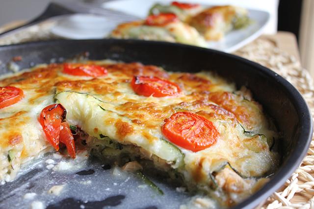 Pastel de calabacín y salmón al horno
