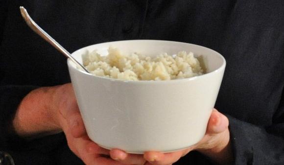 cuántas calorías tiene una cucharada de arroz cocido