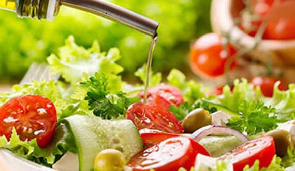 El aderezo con aceite vegetal ayuda a la absorción de nutrientes de los vegetales